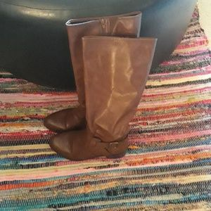 Brown Boots Light Wear Great Condition. Size 11
